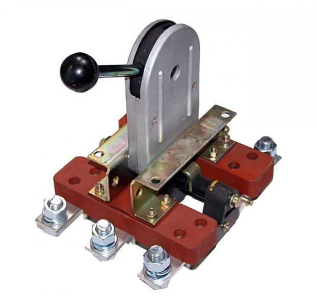 Modernistyczne Rozłącznik, Odłącznik OZK 3X600A TB08
